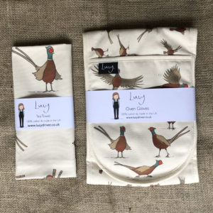 Pheasant oven gloves and tea towel set